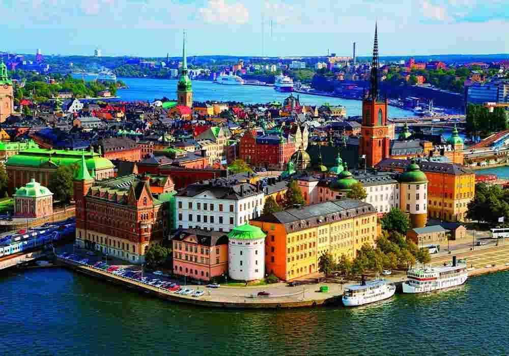 درکشورهای اسکاندیناوی هزینه تحصیل ودرمان رایگان است