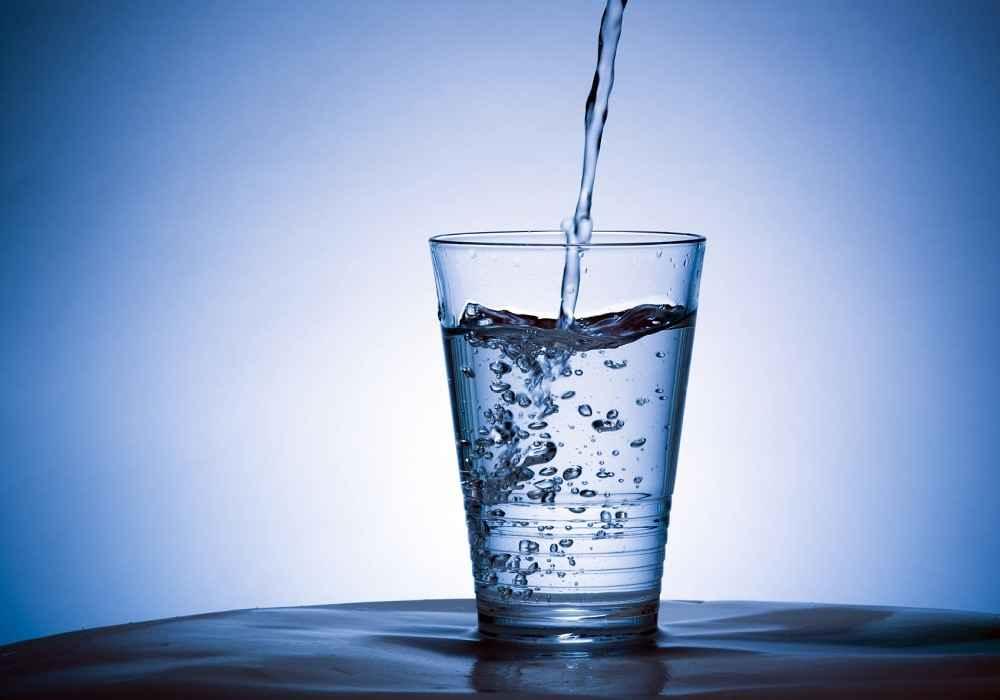 برای سلامت مغز روزی 6تا8 لیوان آب بنوشید