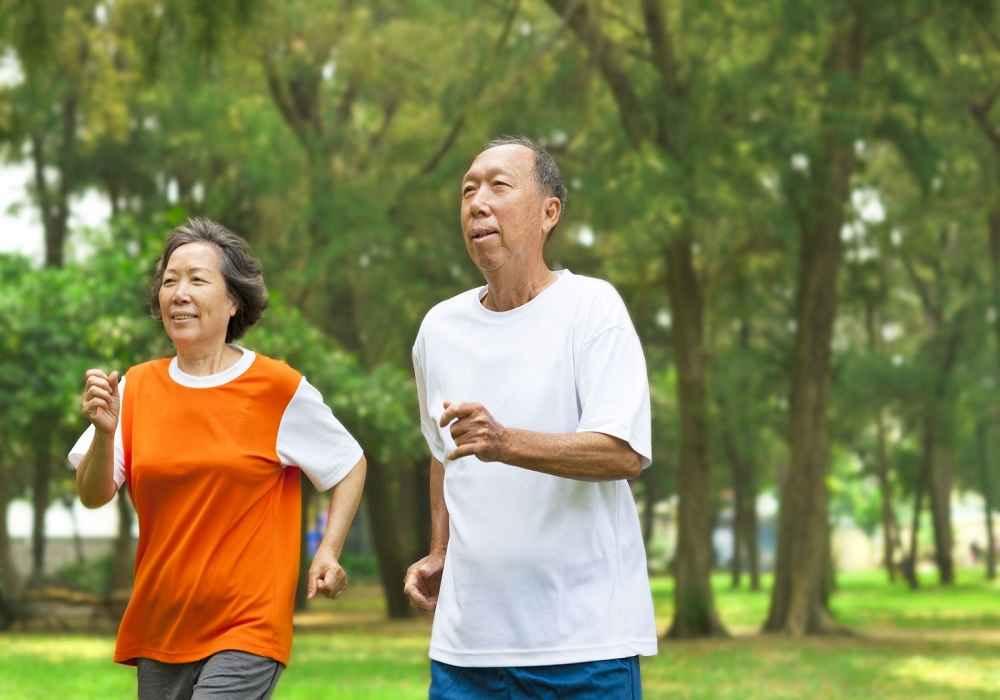 ورزش کردن آنزیم های کبد راکاهش می دهدوبه درمان کبدچرب کمک میکند