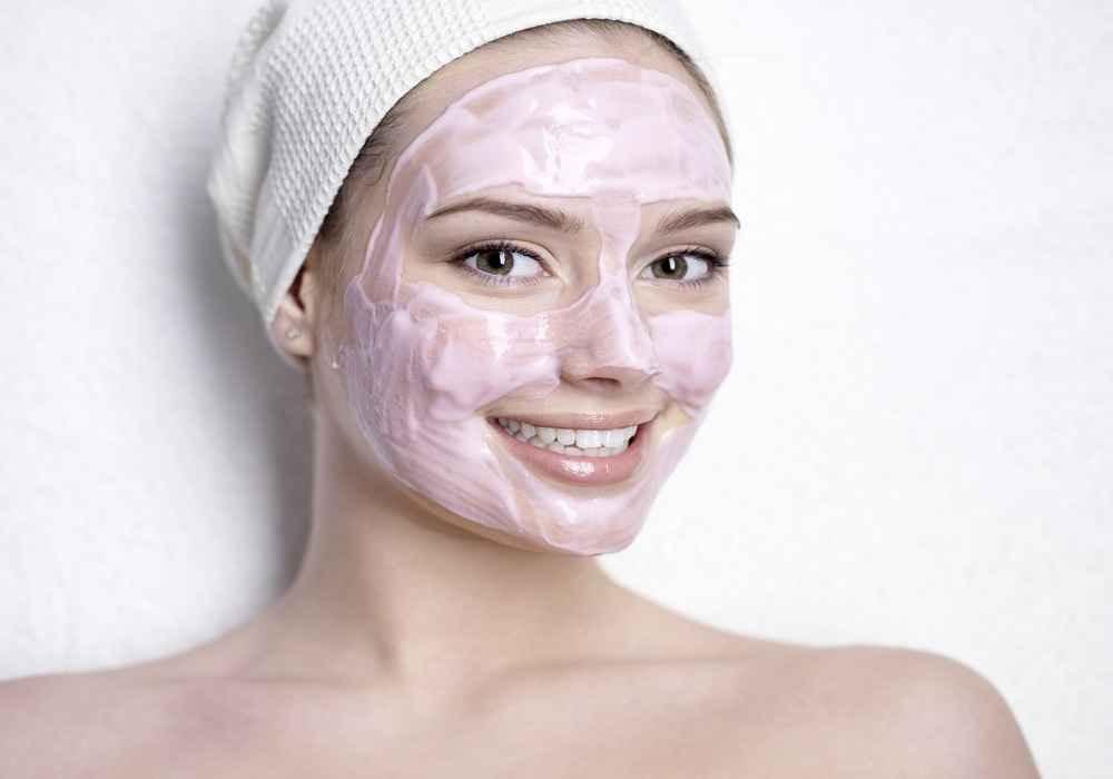 از راههای بستن منافظ پوست ماسک ماست وگل ارمنی است