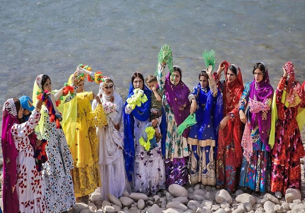 تاریخ قوم بختیاری -لباس محلی زنان بختیاری