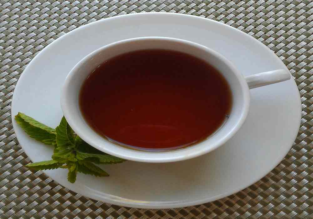 چای پر رنگ باعث تشدید سردرد میگرنی می شود