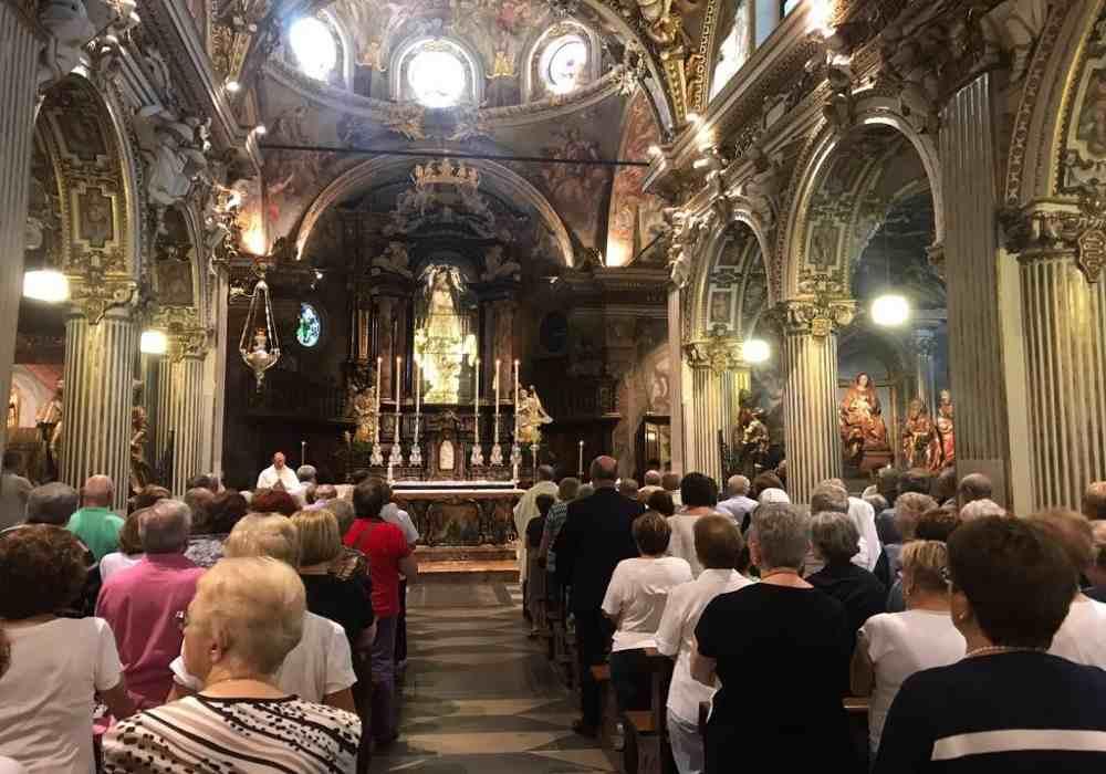 کلیسای دی میراکولی از کلیساهای یزرگ وزیبای ونیز است