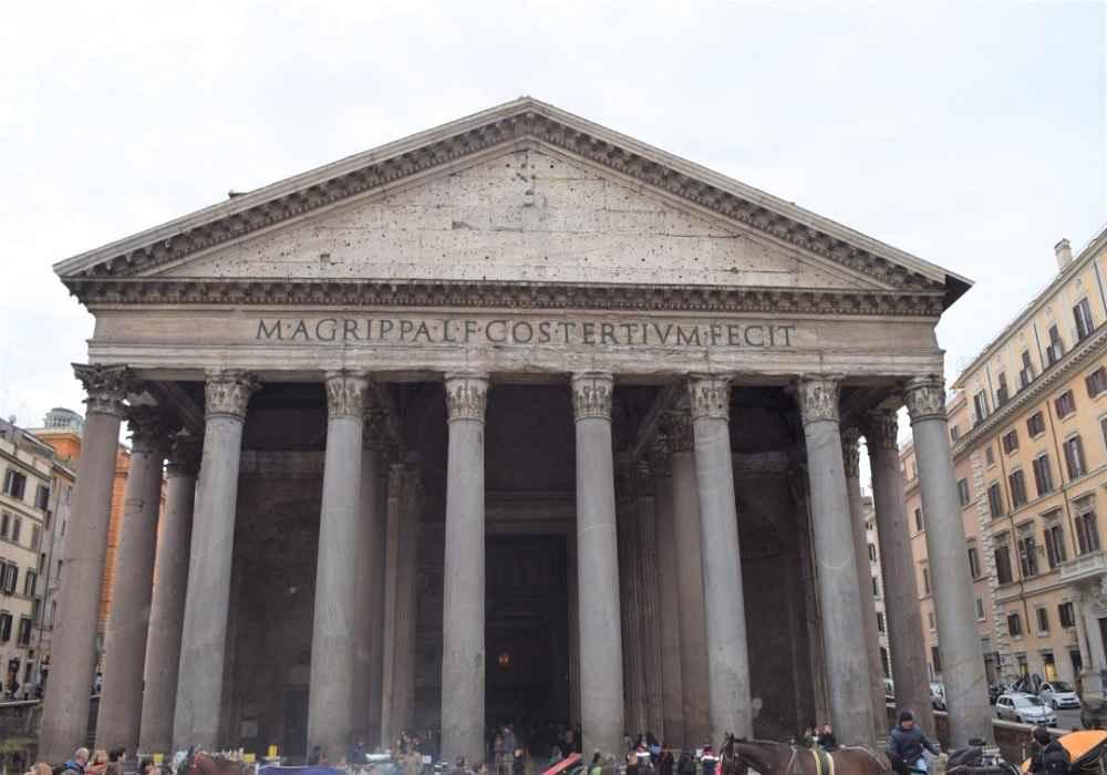 معبد پانتئون دست نخورده ترین اثری که از روم باستان باقیمانده است