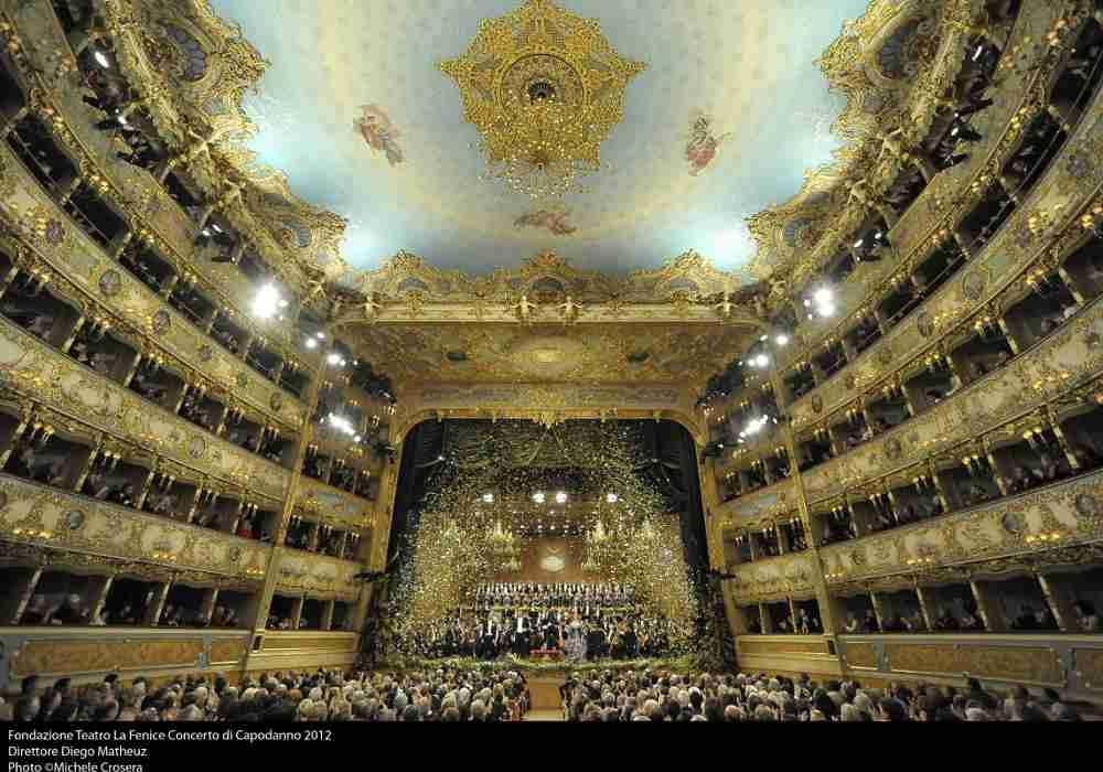 سالن تئاتر لافنیچه ازمشهورترین سالنهای تئاتر در اروپا است