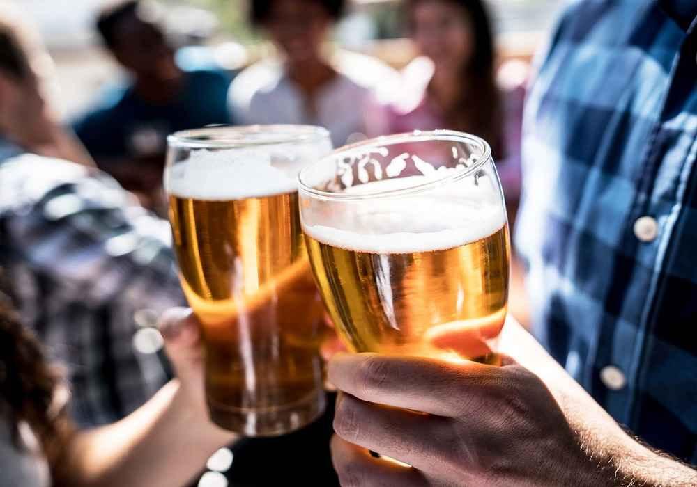 آبجو جز مواد غذایی پورین دار است که بیماری نقرس را تشدید میکند
