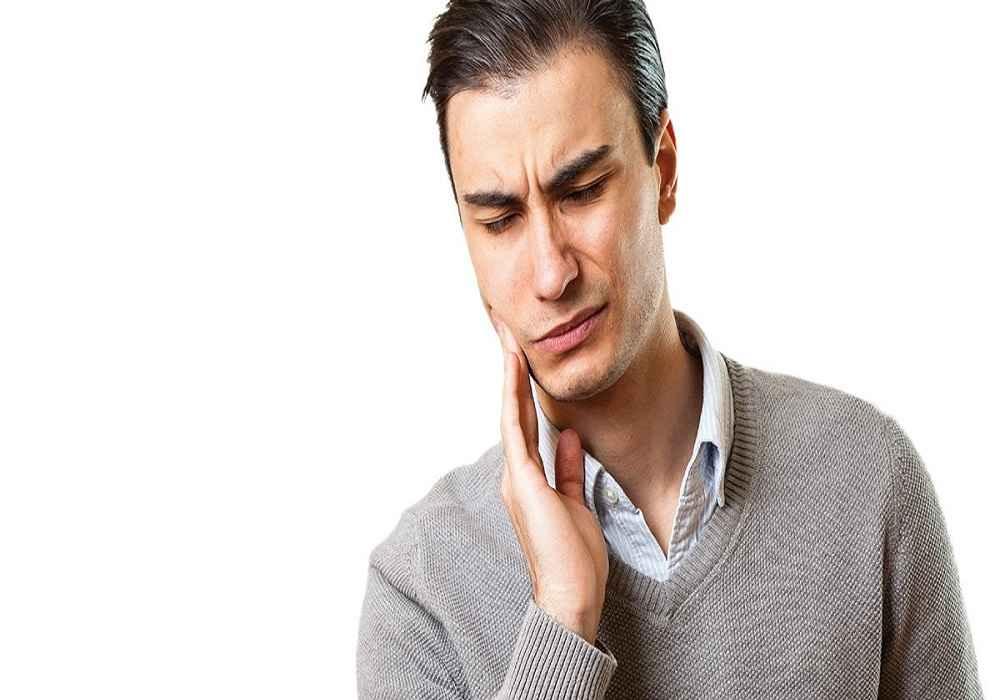 از بین رفتن مینای دندان باعث حساسیت دندان می شود