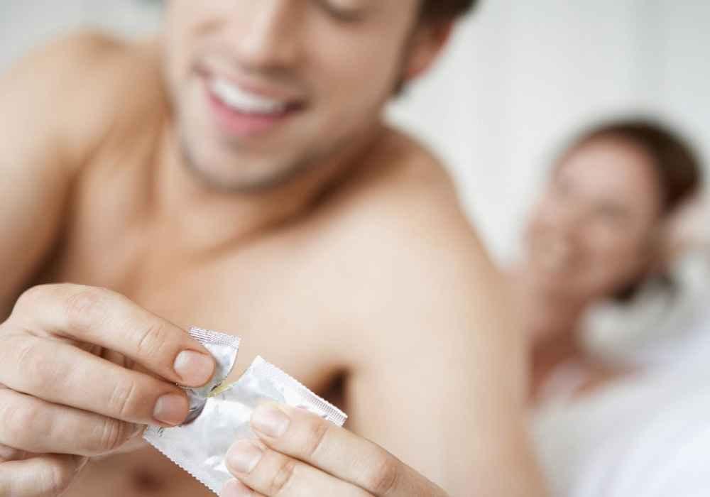 استفاده از کاندوم راه پیشگیری از ابتلا به بیماری سوزاک