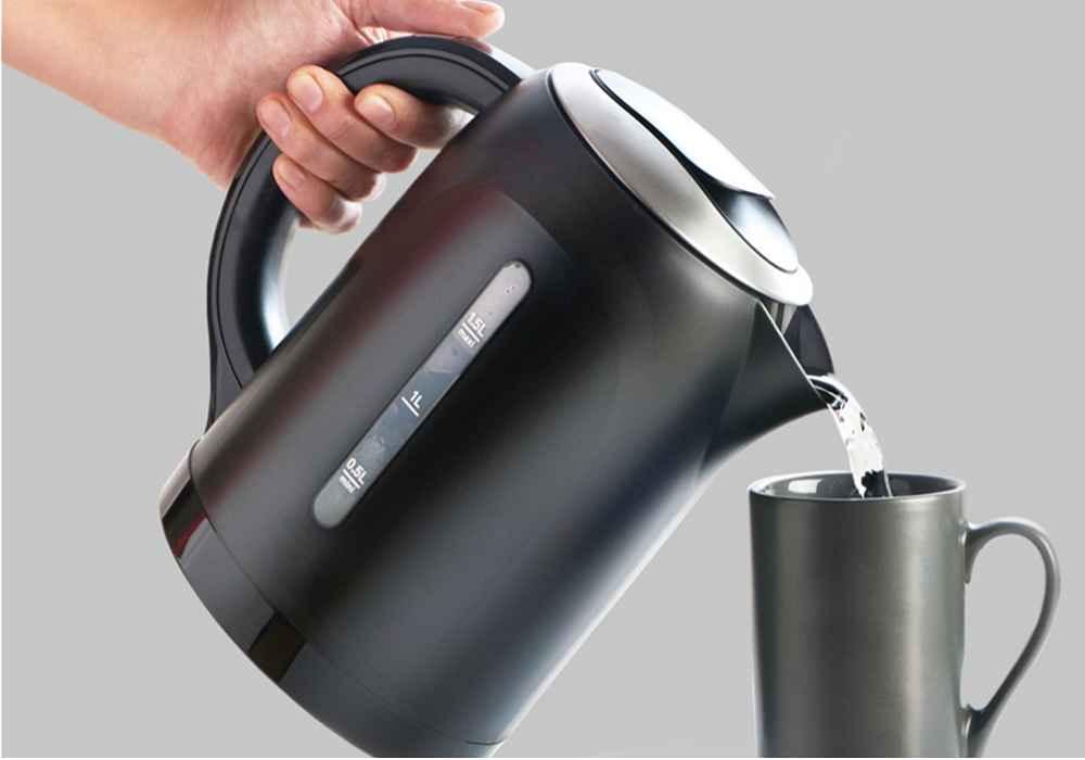 فواید نوشیدن آب گرم در بهبود گردش خون-asemari.ir