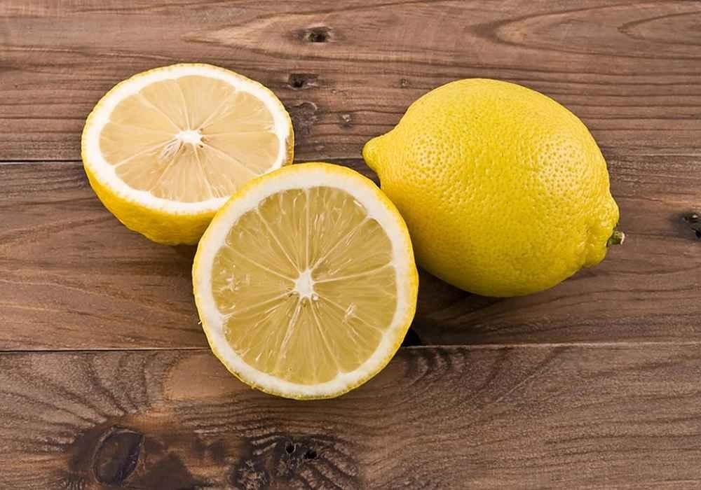 از بین بردن جای عینک از روی بینی با آب لیمو