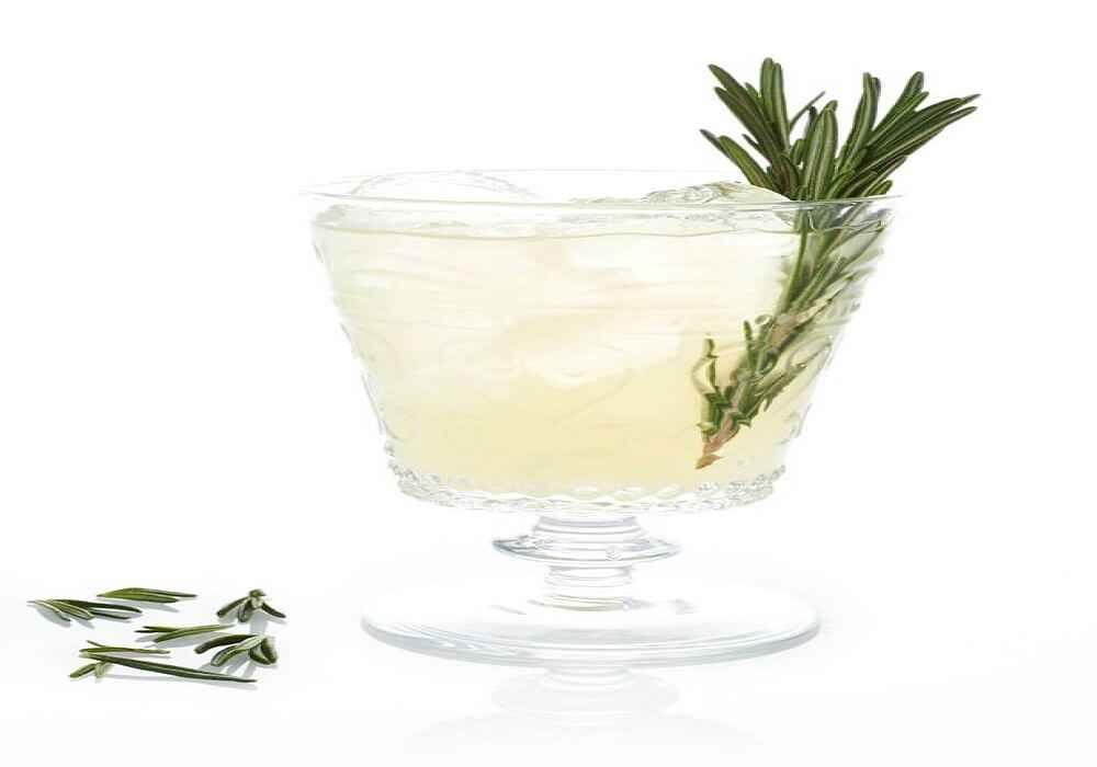 نوشیدنی های خنک برای فصل گرما -شربت هل با گلاب