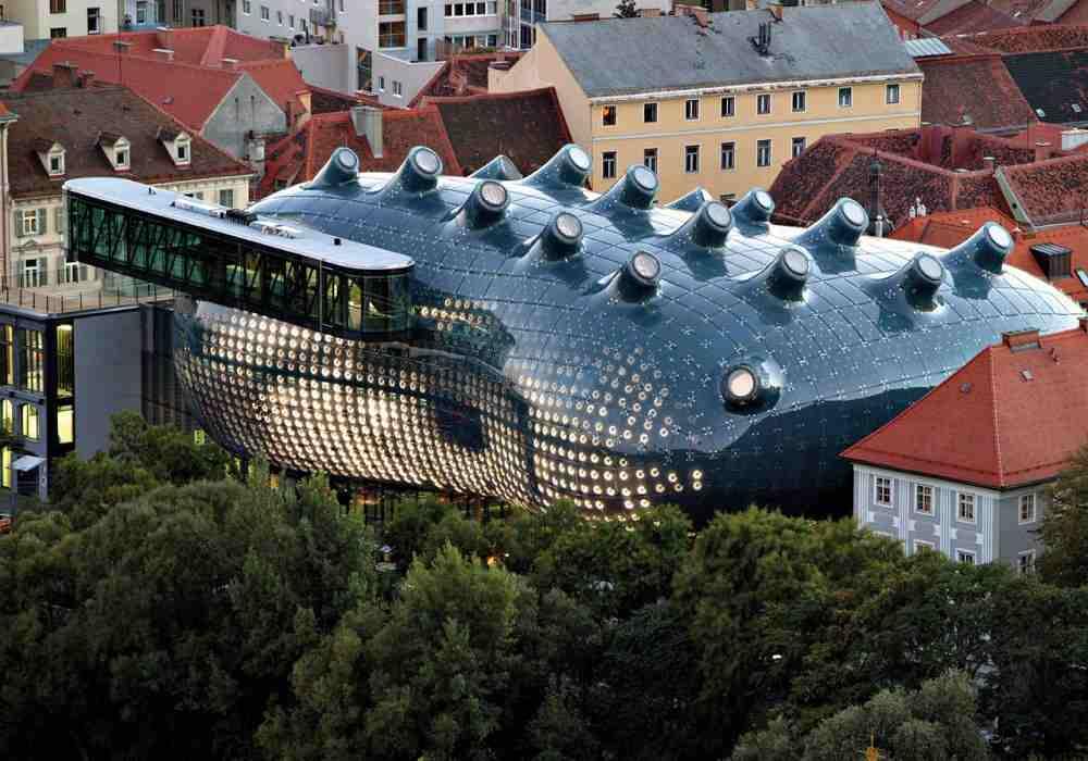غیر معمول ترین ساختمان های دنیا